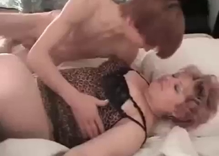 Short-haired mommy fucking her son on cam