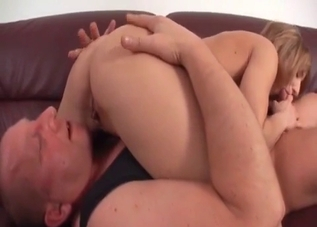 Leggy blonde licked by her bald daddy